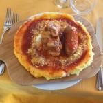Polenta con salsiccie